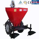4つの車輪のトラクターの耕うん機のポテトの種取り機機械ポテトプランター(PT32)