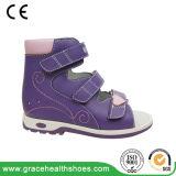 Sandália ortopédica da prevenção das sapatas de couro da saúde dos miúdos