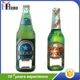 Abrelatas de botella con extremidad magnética