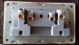 Britse Standaard Dubbele 13A Universele Contactdoos met het Roestvrij staal van het Neon van de Schakelaar