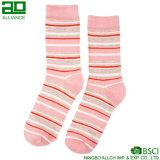 Чувствительные связанные оптовые носки женщин хлопка
