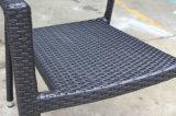 Cena de la silla al aire libre tejida silla del brazo del restaurante del café de los muebles de la silla de la rota