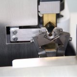 기계 (격상된 모형)를 주름을 잡는 자동 두 배 끝