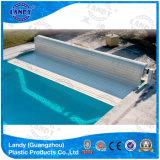 Cubierta transparente de los listones de la piscina