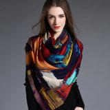 Mulheres, a geometria da impressão de Digitas do lenço de lãs