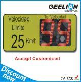 Tráfico solar Señal de límite de velocidad y la señal de peligro