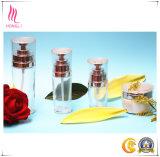 Embalaje cosmético con la botella de la loción y la botella de la crema