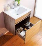 La vanidad del cuarto de baño del MDF de la melamina fijó con la cabina del espejo