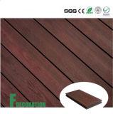 Plancher composé en plastique en bois extérieur imperméable à l'eau de Decking de la coextrusion WPC