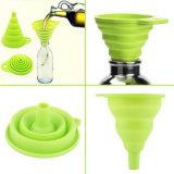 Les ustensiles de cuisine vendent l'entonnoir pliable de mini silicones compressibles respectueux de l'environnement