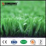 Tapete artificial natural da grama do futebol do verde de colocação para o campo de futebol