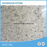 Parti superiori bianche pure di vanità della pietra del quarzo con il dispersore per la cucina