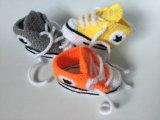 Ботинки спорта девушок мальчика добыч тенниса тапок вязания крючком младенца младенческие