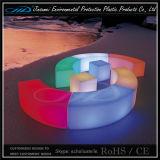 Rotationsformteil-Stab sitzt LED-Möbeln vor