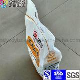 Lamellierter Reis und Körner, die Nahrungsmittelbeutel verpacken