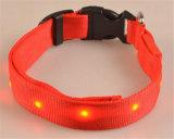 Collar de perro del nilón que brilla intensamente LED