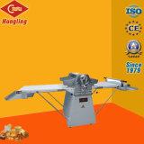 Roestvrij staal 520 de Machine van Sheeter van het Deeg van de Croissant voor Gebakje