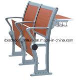 Mesa de madeira e cadeira de alumínio para escola