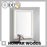 Frame de madeira branco moderno do espelho para a decoração da pensão