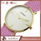 Reloj de señoras exquisito encantador del cuarzo de la manera con el vidrio mineral