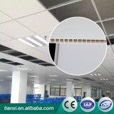 Горячая панель потолка PVC штемпеля/панель стены с красной деревянной декоративной конструкцией