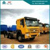 Sinotruk HOWO 6X4のディーゼル機関を搭載する頑丈なトラクターのトラック