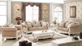 Sofà classico con lo strato beige per la sede del salone