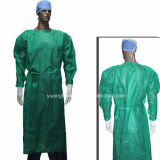 Robes d'isolement chirurgical jetables à l'hôpital