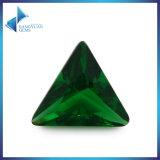 Pierre desserrée en verre vert trillion de pierre gemme
