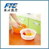 En ligne colorés de double drain obtiennent le panier de fruit en plastique pour le bureau