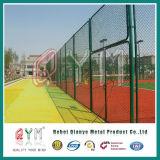 Звено цепи ограждая загородку баскетбольной площадки /Design/напольную загородку стадиона