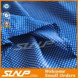 Vêtement avant boutonné longue par chemise de POINT de polka