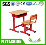 Mobiliário de sala de aula Polypropylene School Desk and Chair Set