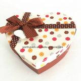 Коробка подарка рождества сердца форменный с тесемками