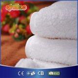 Bequeme Wolle-Heizdecke mit Einstellung der Wärme-vier