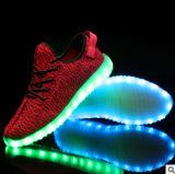 軽く多彩な白熱余暇の点滅のスポーツの靴を満たすUSB