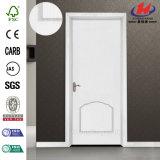 Une porte en bois intérieure moulée par HDF plus blanche d'amorce