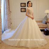 O tampão do V-Neckline de 2017 vestidos nupciais do laço Sleeves o vestido de casamento real conservado em estoque G1875 das pérolas
