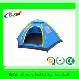 Das feinste Segeltuch-Zelt und die kampierenden Produkte bilden
