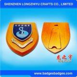 Chapa de madeira relativa à promoção da alta qualidade com a placa de metal para o presente