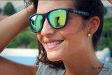 Óculos de sol UV400 coloridos do gato 3 da qualidade de F7092 Lenshigh para a promoção