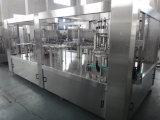 Bhgf quatre dans une chaîne de production remplissante de vin