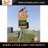 Signe de vitesse radar pour la sécurité routière