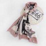 As mulheres formam o lenço de seda viscoso impresso (YKY1127)