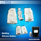 Molde de la escultura que hace el líquido del caucho de silicón de la materia prima