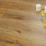 V溝によってワックスを掛けられた装飾の物質的な防水浮き出しはUnilinクリックに床を張ることを薄板にした