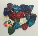 Picaretas feitas sob encomenda coloridas da guitarra da celulóide