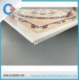tuiles de plafond de panneau de plafond de panneau de plafond de PVC de 603*603*7mm vers Asie du sud