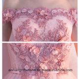 Flor de los Appliques que rebordea las alineadas altas-bajas rosadas sin mangas de la dama de honor del apagado-Hombro