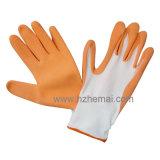 ナイロン手袋によって塗られる泡乳液園芸作業手袋